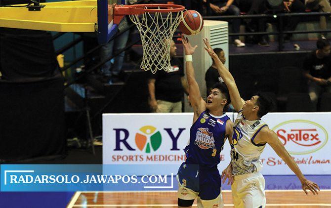 MEGAH: Sritex Arena rutin menggelar ajang basket regional hingga nasional.