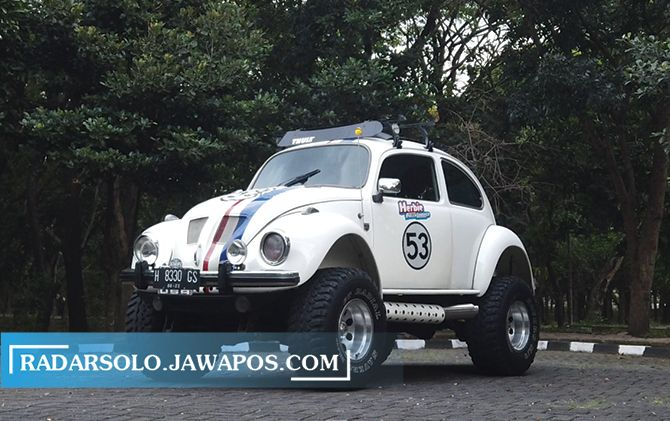 PEKERJA KERAS: Herbie Monster modifikasi VW Beetle 1968, ikon BVTP Classic Center Garage nampang di kawasan Technopark Sragen.