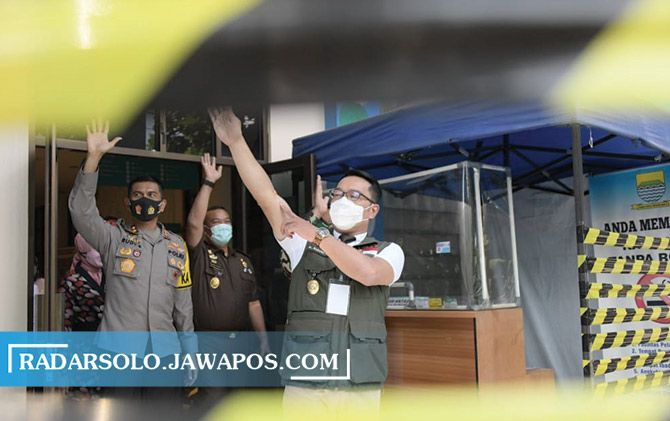 Gubernur Jawa Barat Ridwan Kamil menjadi relawan tes vaksin Covid-19