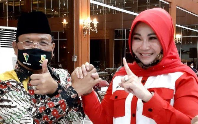 KOMPAK: Sukiyat menyatakan dukungan politik kepada pasangan Mulyo.