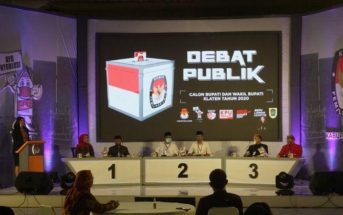 Debat publik pertama Pilkada Klaten di Al Hakiim Convention Hall, Klaten
