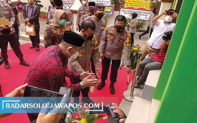 Kapolda Jawa Tengah Irjen Pol Ahmad Luthfi saat meresmikan Apartemen Sanika Satyawada Polres Wonogiri dan Masjid Al Ma'ruf.