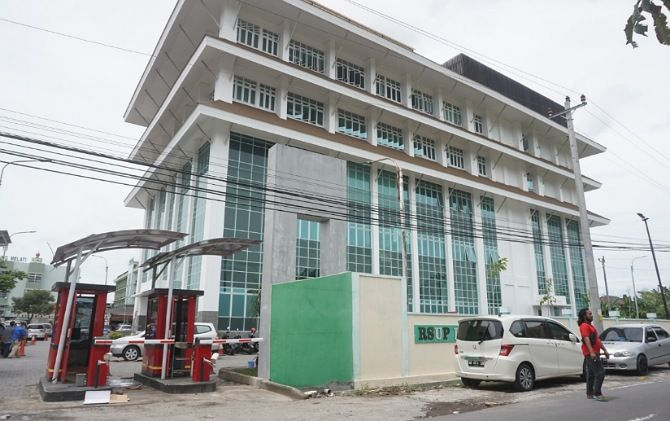 RSUP dr Soeradji Tirtonegoro Klaten menjadi salah satu rumah sakit rujukan Covid-19 di Klaten dan sekitarnya.
