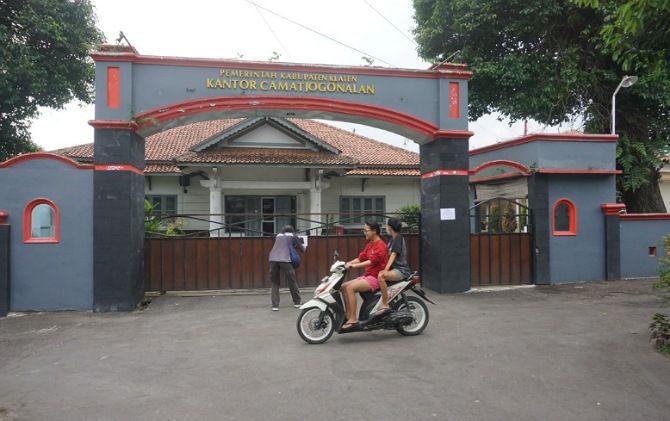 Suasana Kantor Kecamatan Jogonalan yang tutup sementara selama dua hari.