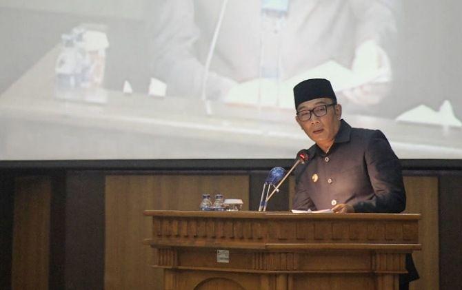 Gubernur Jabar Ridwan Kamil mengapresiasi pansus DPRD Jabar atas penetapan empat perda, salah satunya Perda Pesantren.