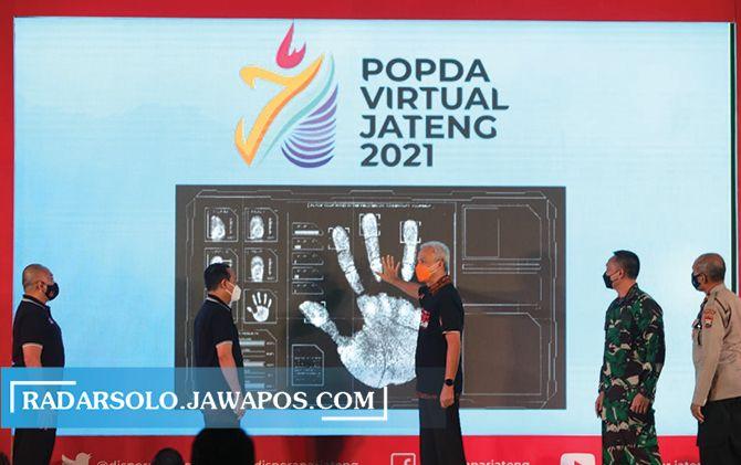 Gubernur Jateng Ganjar Pranowo membuka Popda Jateng 2021 yang digelar secara hybrid.