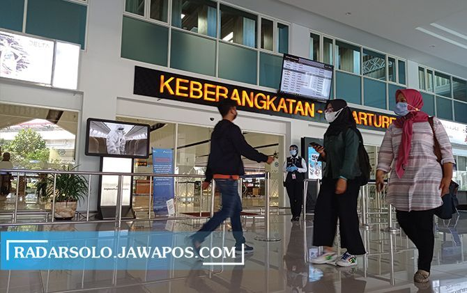 Kondisi Bandara Adi Soemarmo di awal Ramadan yang masih sepi. Namun, akhir pekan kemarin jumlah penumpang pesawat mulai terjadi peningkatan.