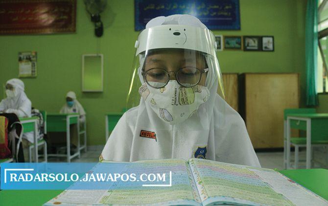 Uji coba pembelajaran tatap muka di SD Muhammadiyah 1 Ketelan belum lama ini.