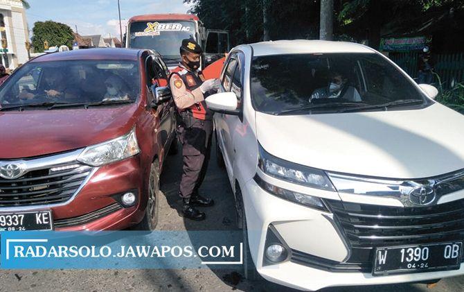 Penyekatan di perbatasan Jateng-DIJ, Kecamatan Prambanan yang dilaksanakan tim gabungan.