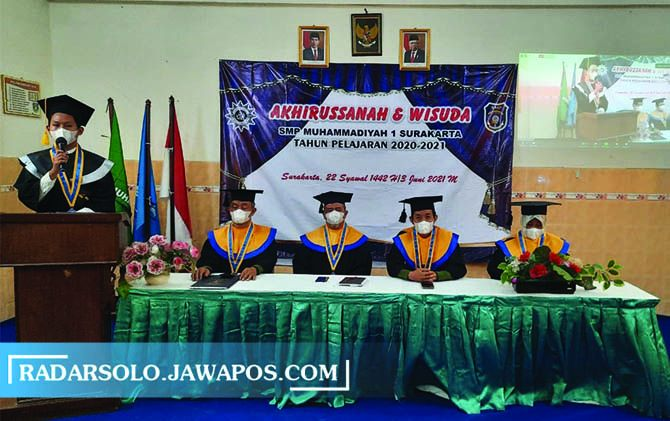 VIRTUAL: SMP Muhammadiyah 1 Surakarta (Simpon) gelar wisuda tahfidz dan akhirusanah 146 siswa kelas IX tahun ajaran 2020/2021, kemarin.