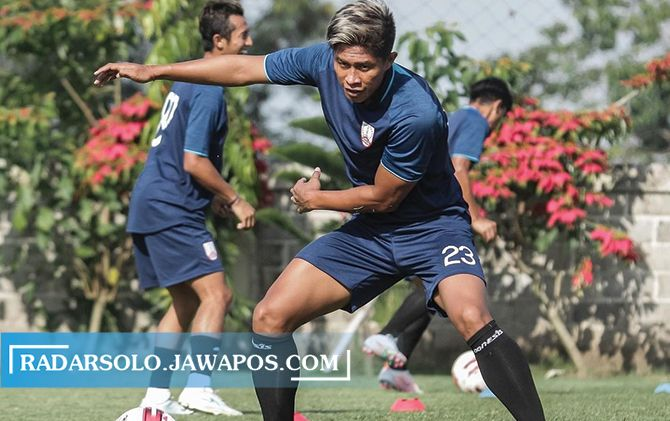 Bek Persis Solo Agus Nova saat berlatih dengan tim di Boyolali, belum lama ini.