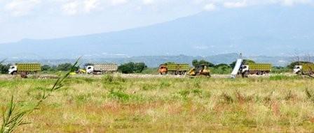 Pengurukan lahan industri di Jabon.