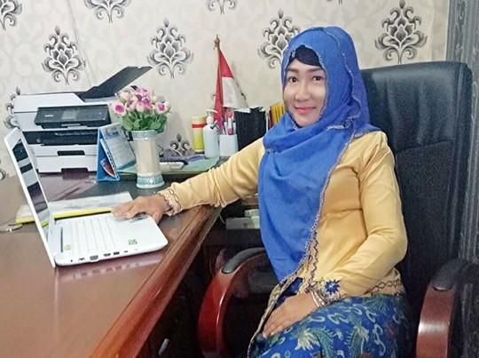 Dr. Titik Ernawati, DIPL.CITBAC, Owner Klinik Krisna Gresik
