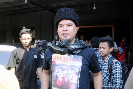 DIBIDIK TERSANGKA: Ahmad Dhani saat berkunjung ke Surabaya, beberapa waktu lalu.