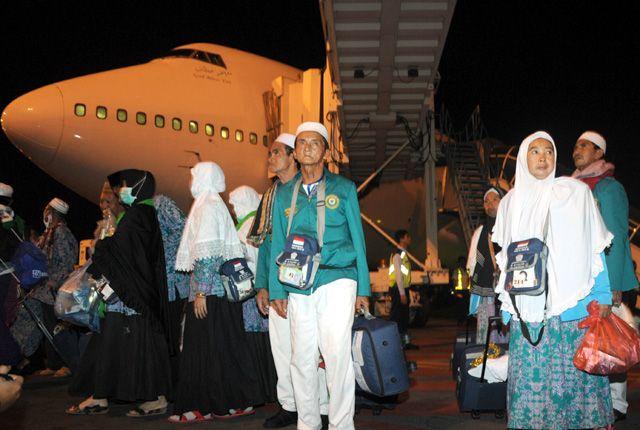 MAMBRUR: Jamaah haji asal Indonesia saat tiba di Bandara Internasional Juanda Surabaya di Sidoarjo.