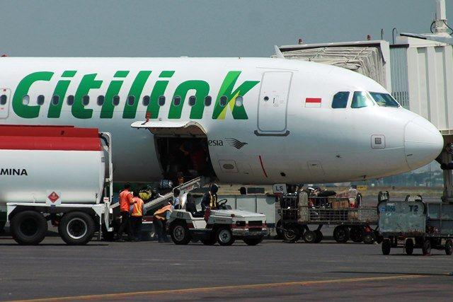 DIKENAI TARIF: Bagasi pesawat kini tak gratis lagi.