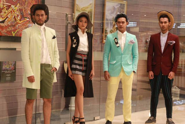 TAK BANYAK DETAIL: Model memperagakan busana ready to wear bertema Cruise karya Ai Syarif  yang menonjolkan kesan elegan dan nyaman.