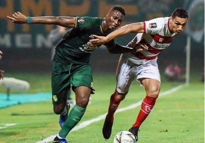 Persebaya berhasil unggul 3-2 atas Madura United