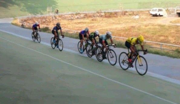 KAYUH SEPEDA : Para atlet balap sepeda Gresik yang ikut traning center di Malang.
