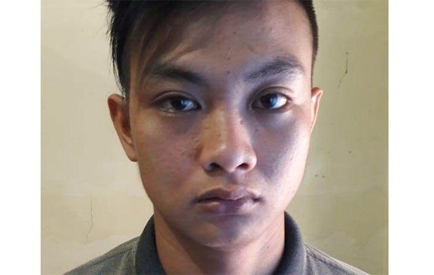 DITANGKAP: Tersangka saat diamankan di Mapolresta Sidoarjo