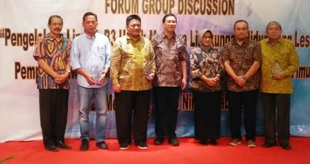 FGD LIMBAH: Wakil Ketua Komisi VII DPR RI, Ridwan Hisyam, hadiri acara Focus Group Discussion (FGD) soal Limbah B3 aki bekas di Jatim.