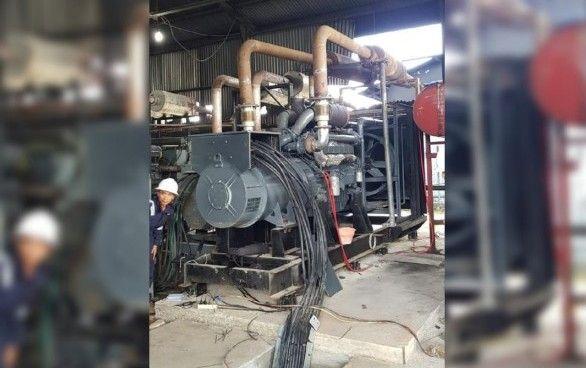 RUSAK : Salah satu mesin PLTD PLN Bawean rusak sehingga aliran listrik ke sejumlah desa padam.