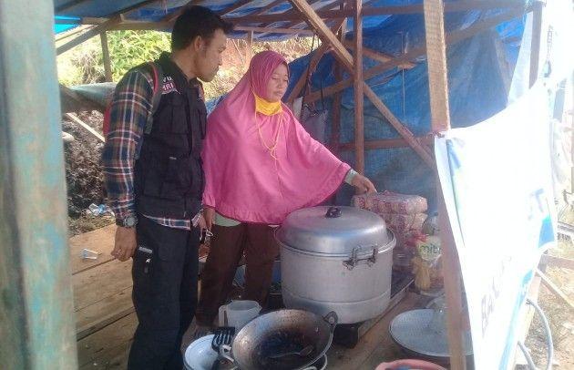 BANTUAN: Dapur umum yang didirikan relawan ACT di Konawe Utara.