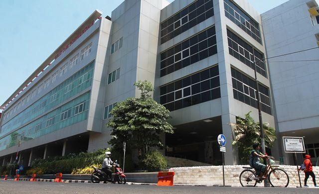 AKHIR JULI SIAP: Pemkot Surabaya tengah mengembangkan aplikasi kesehatan yang berisi data kependudukan dan masih tahap uji coba di RSUD dr Soewandhie.