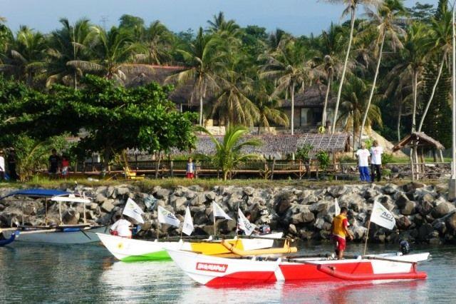 PEDULI: Bantuan perahu dari Bukalapak bekerja sama dengan ACT untuk nelayan terdampak tsunami Selat Sunda di Pandeglang,  Banten.