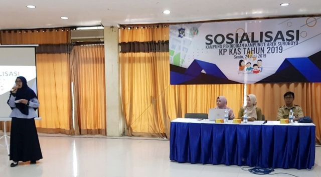SOSIALISASI: Tim dari Akademisi saat memberikan paparan terkait bentuk pendampingan kepada wilayah peserta Kampung Pendidikan Kampung'e Arek Suroboyo (KPKAS) 2019