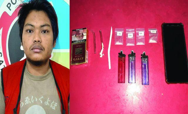 TERSANGKA: Dedet Prakoso dan barang bukti narkoba yang diamankan.