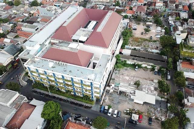 LEBIH LENGKAP: Gedung RSUD Dr M Soewandhie akan diperluas bulan ini.