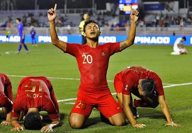 LOLOS SEMIFINAL: Osvaldo Haay (20) mengangkat tangan usai mencetak gol bagi Timnas U-23.