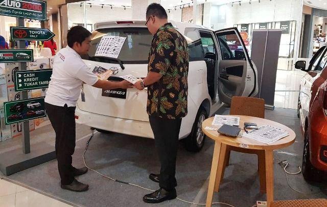 TAHUN DEPAN NAIK: Harga mobil dipastikan tahun depan mengalami kenaikan antara Rp 3 juta hingga Rp 8 juta.