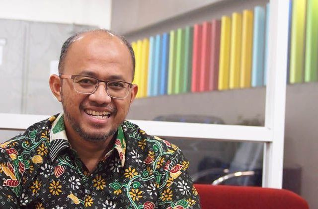 Ketua Umum PDEI dr. M. Adib Khumaidi Sp.OT