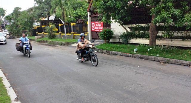 KAMBUHAN: Lokasi korban memarkir mobil yang disatroni para pencuri.
