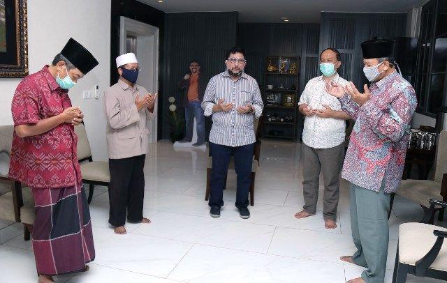 Ustaz dan Ustazah Surabaya Dukung Cak Machfud