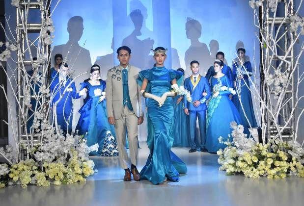 MENAWAN: Koleksi busana pernikahan karya mahasiswa D3 Tata Busana Unesa dipamerkan secara virtual.
