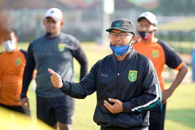 Coach Aji Santoso