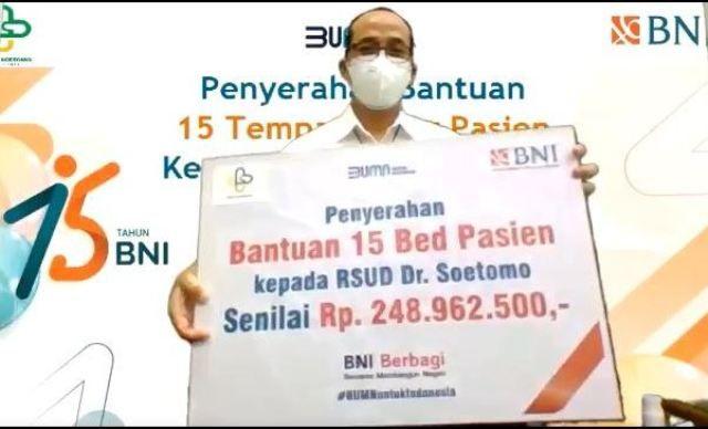 BNI Serahkan CSR Berupa 15 Bed ke RSUD Dr Soetomo Surabaya