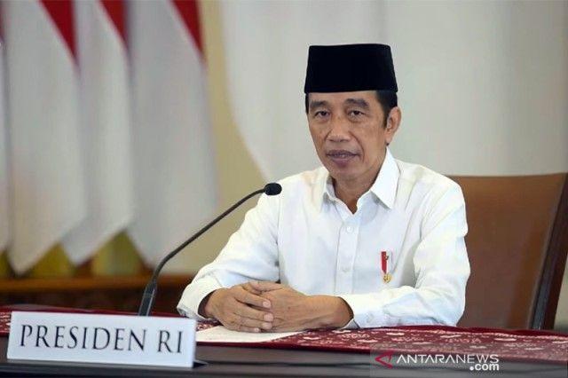 SCREENSHOT: Presiden Jokowi dalam Takbir Akbar Hari Raya Idul Adha 1442 H yang ditayangkan kanal Youtube Sekretariat Presiden, Jakarta, Senin (19/7/2021).