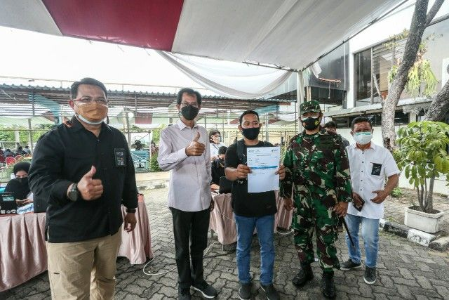 Vaksinasi 2.700 Warga di SIER, Gotong Royong Kejar Herd Immunity