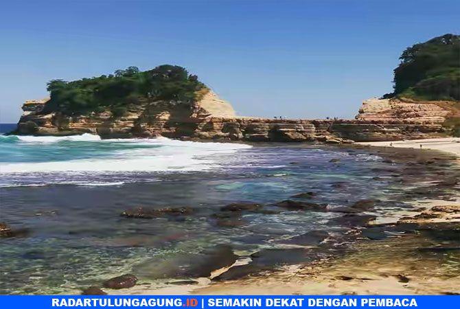 PESONA SELATAN : Pantai Patuk  Gebang di Desa Jenglungharjo, Kecamatan Tanggunggung.