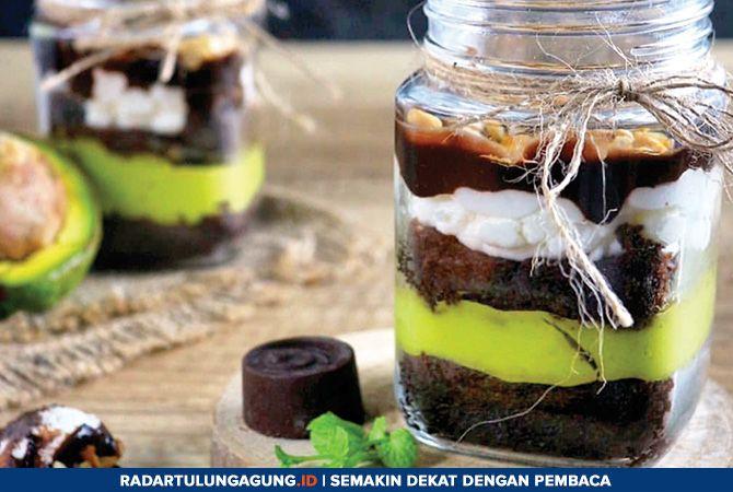 LUMER: Avocado brownies lebih lezat dan nikmat ketika disajikan dingin.