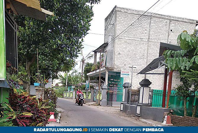 HARUS TERTIB: Sejumlah indekos yang berada di Desa Kuningan, Kecamatan Kanigoro  yang mulai menjamur.