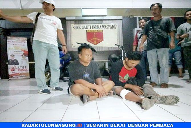TERTUNDUK: Pencuri dan penadah motor curian berhasil diamankan polisi Tulungagung.