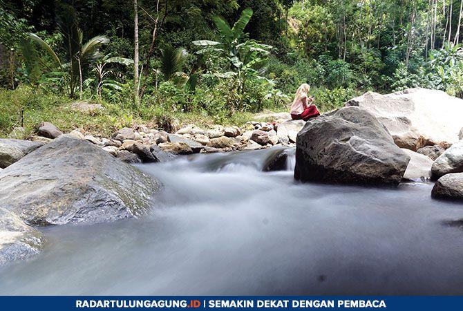 LEMBUT: Aliran sungai di dekat Wisata Tebing Lingga, Desa Nglebo, Kecamatan Suruh. Area ini masih perlu dikembangkan lebih jauh lagi untuk semakin menarik kedatangan wisatawan.