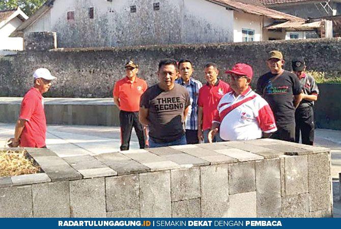 INOVASI: Bupati Rijanto dan Wabup Marhaenis UW meninjau lokasi pembangunan PIP di eks Karesidenan Wlingi.
