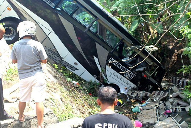 Lima Orang Tewas dalam Kecelakaan Bus Pariwisata, Berikut Data Korban