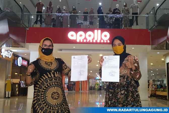 KEMBALI AKTIVITAS: Sutinah (Kiri dan Firnandia menunjukan surat keterangan hasil swab negatif Covid-19
